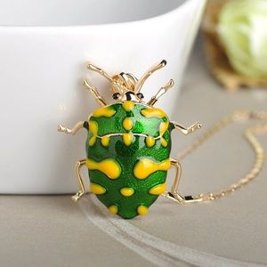 Shiny Green Insect Pendant Necklace